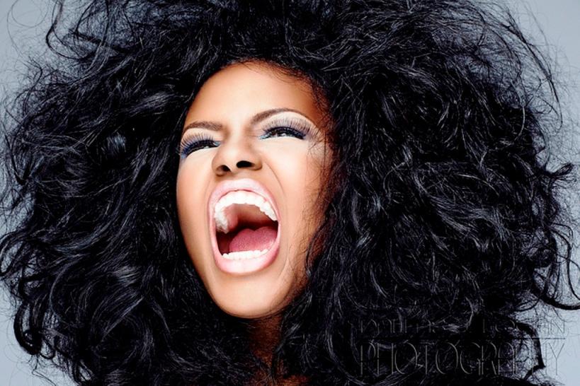 woman-roaring
