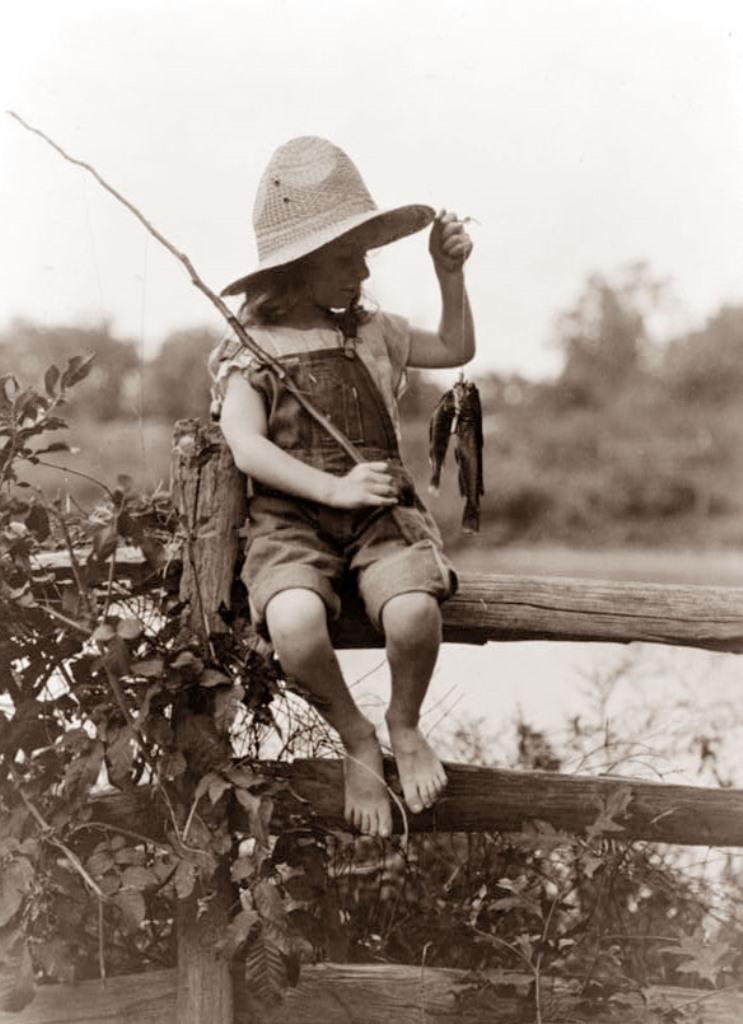 girl-fishing